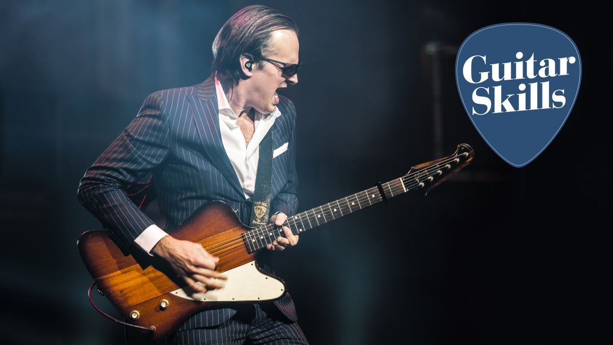 The ultimate minor pentatonic guitar lesson: all the skills to get started