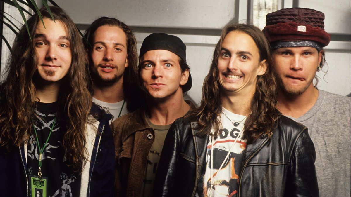 5 key songs guitarists need to hear by… Pearl Jam