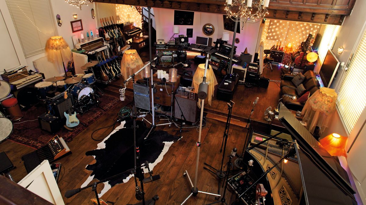 6 things you need to think about before you rent a recording studio space