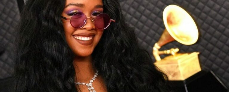 H.E.R. Joins Kodi Lee For Soulful Duet On America's Got Talent