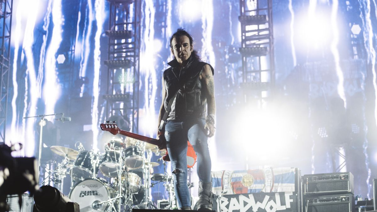 The Cure bassist Simon Gallup has announced he's quit the band